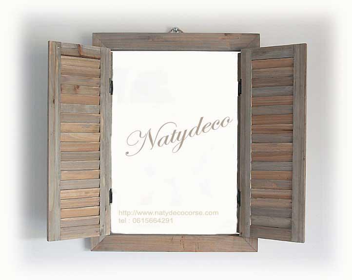 Decoration en bois flotte for Miroir fenetre bois